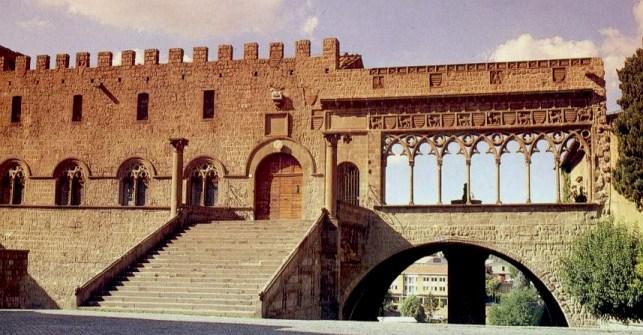 viterbo-palazzo-dei-papi1